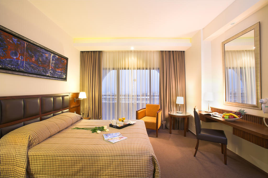 Ajax Hotel фото и отзывы