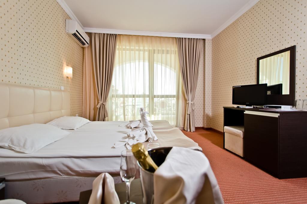 Відпочинок в готелі Saint George Palace