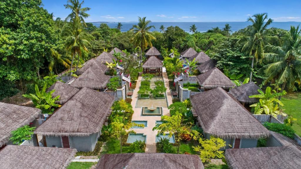 Furaveri Island Resort фото туристів