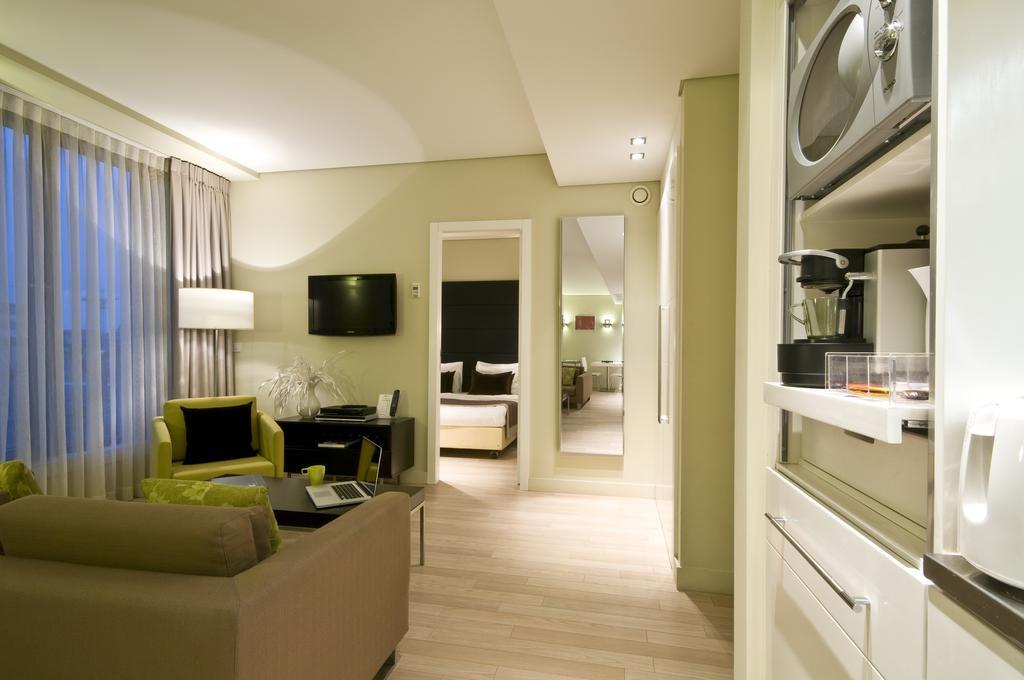 Горящие туры в отель B-Aparthotel Grand Place Брюссель