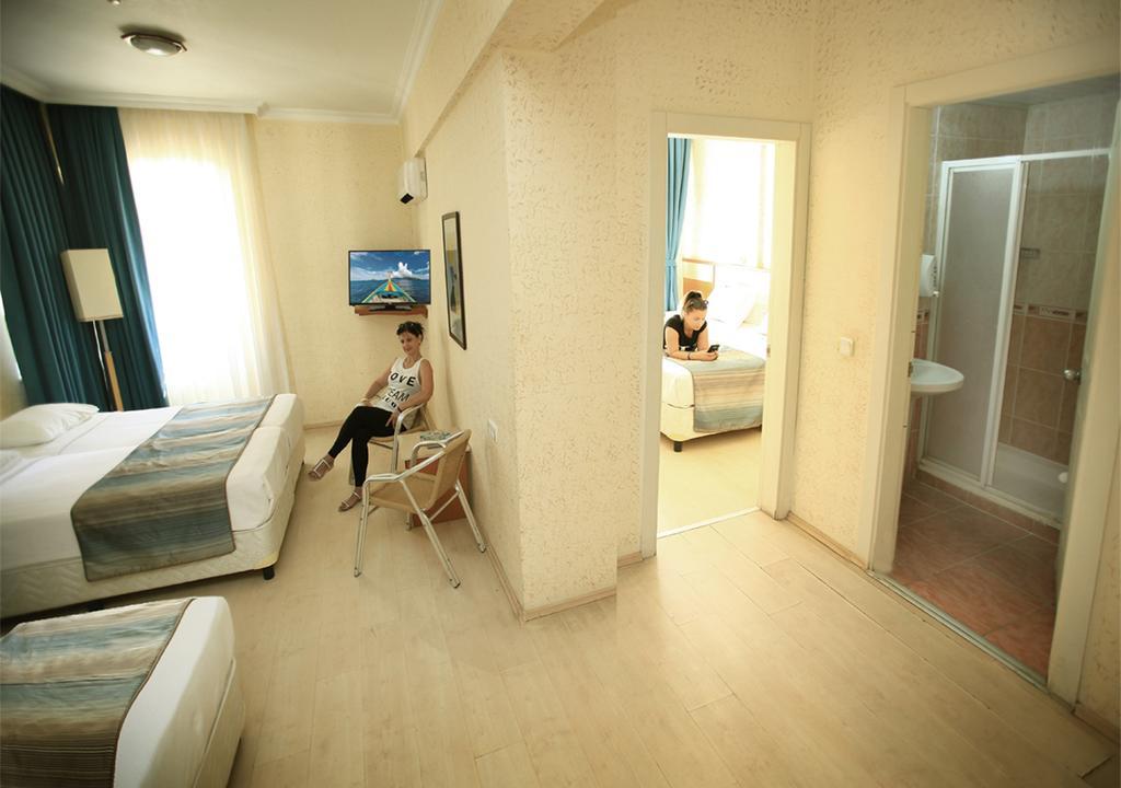 Тури в готель Lara Hadrianus Hotel