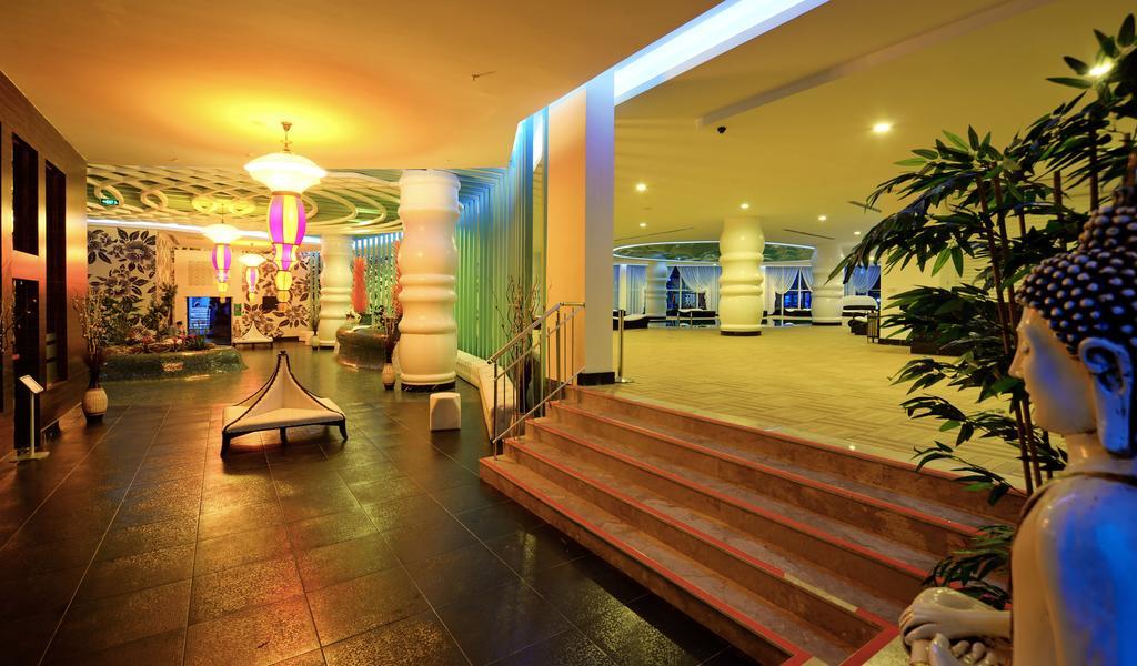 Ціни в готелі Vikingen Infinity Resort&Spa