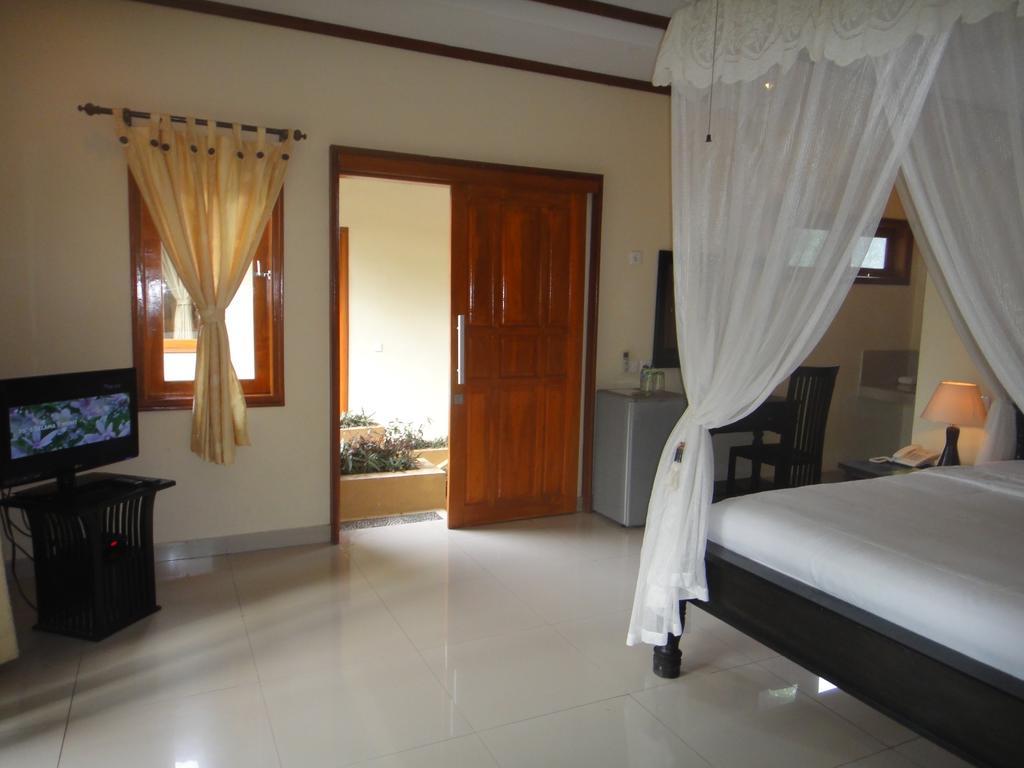 Arya Amed Beach Resort, Индонезия