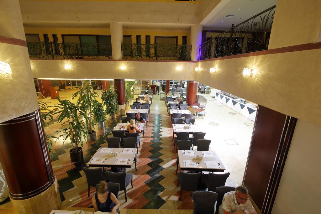Горящие туры в отель Al Bustan Hotel Sharjah Шарджа ОАЭ