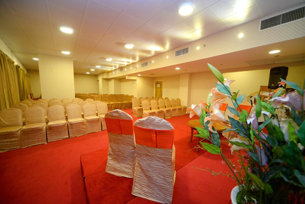 Фото отеля Nejoum Al Emarate Hotel Sharjah