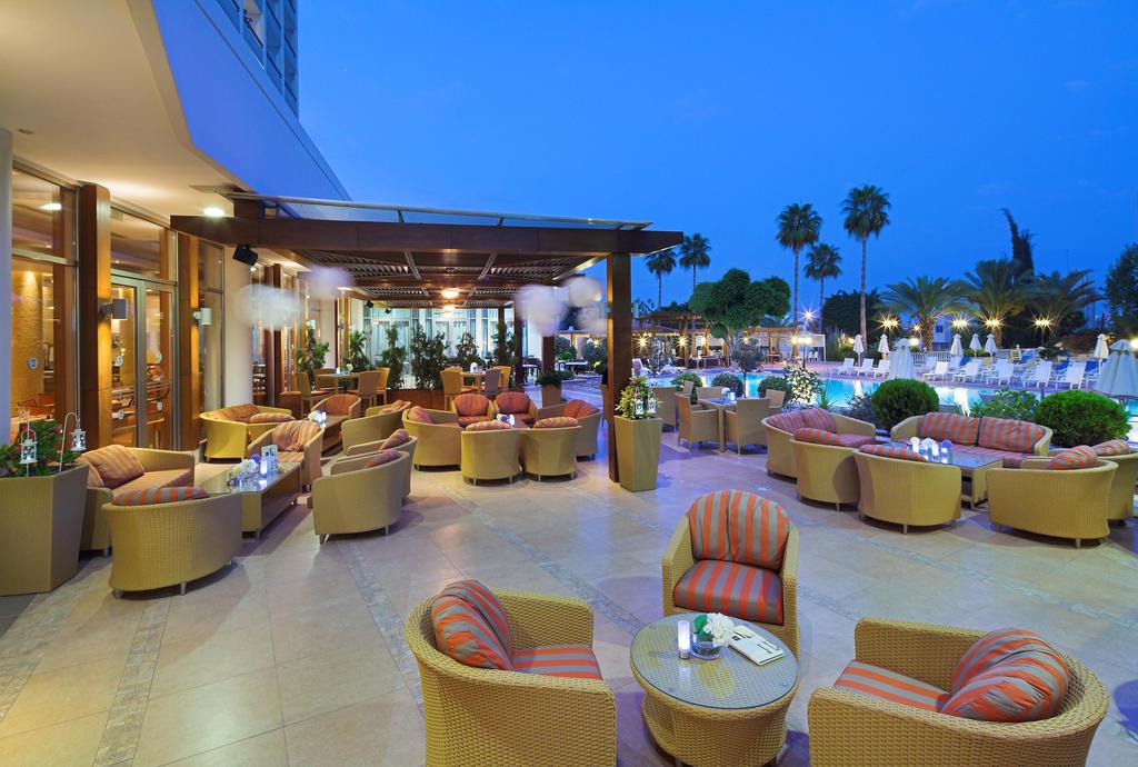 Ajax Hotel, Кипр