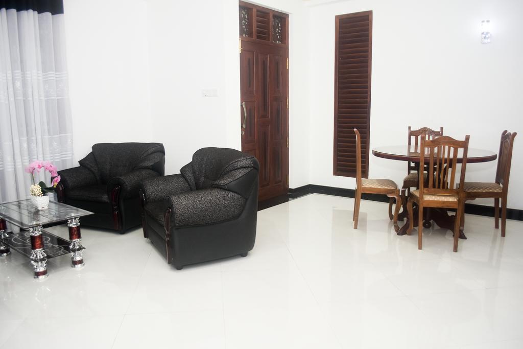Villa De White Sambur, Шри-Ланка