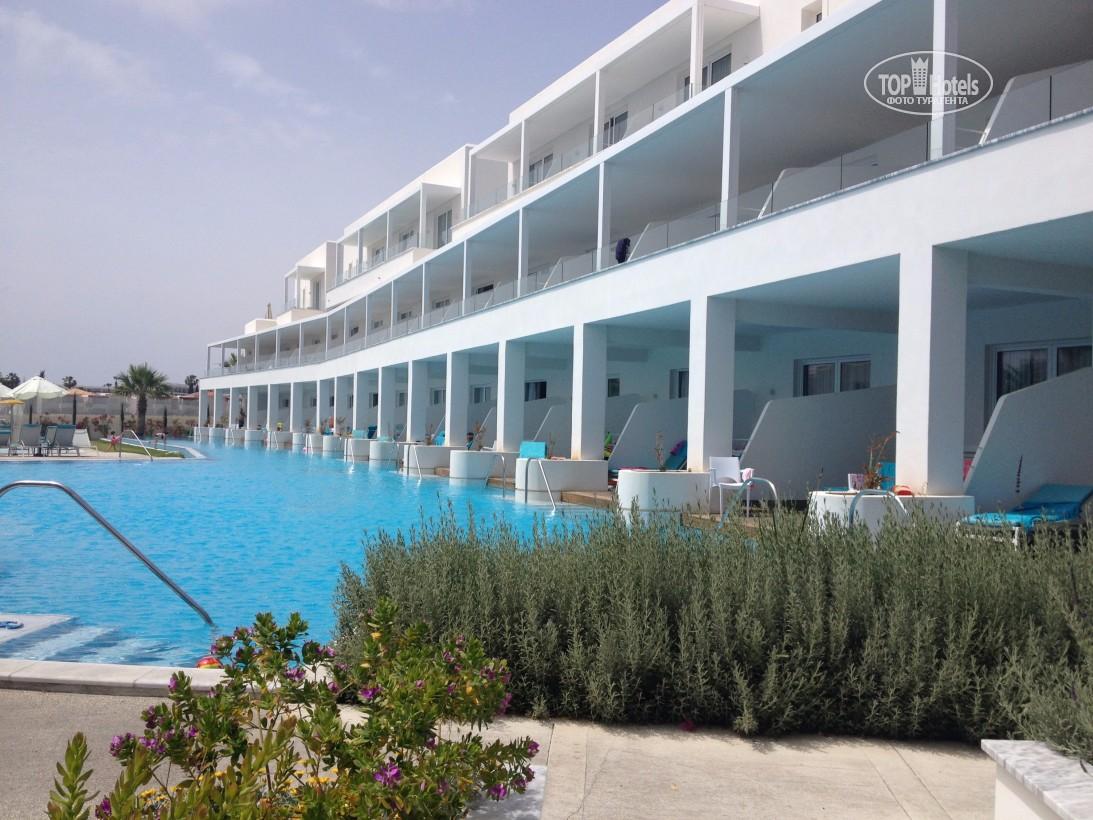 Горящие туры в отель Aliathon Aegean (ex. Aliathon Holiday Village) Пафос