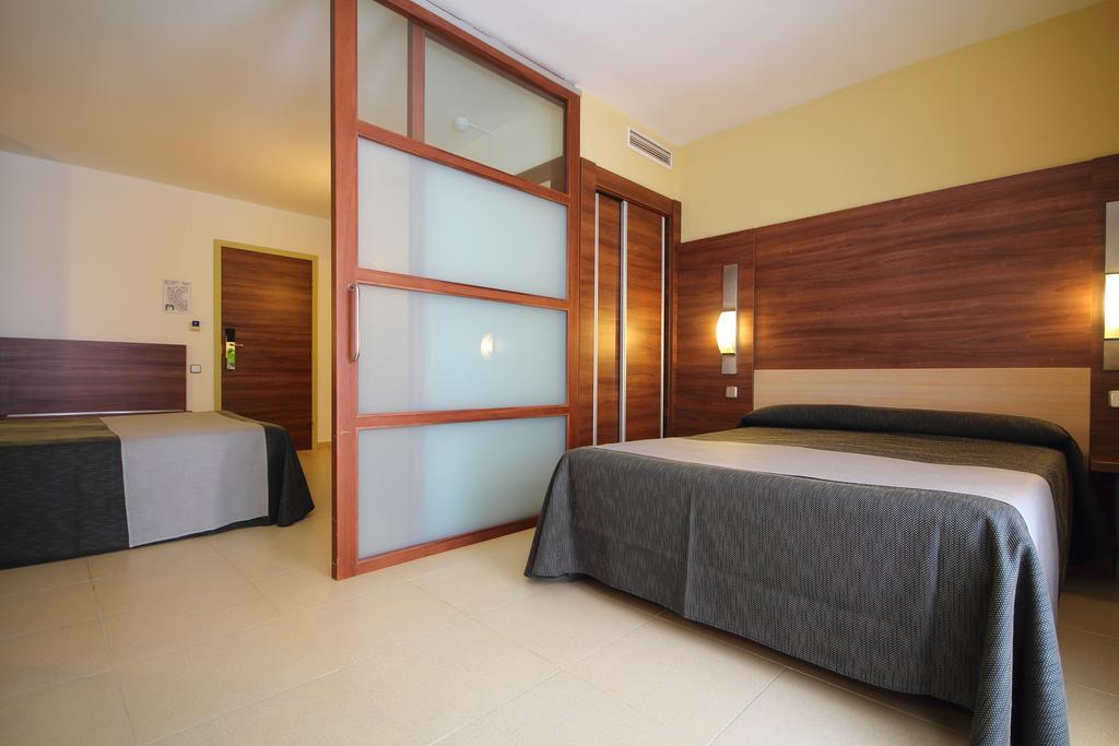Горящие туры в отель Aqua Hotel Aquamarina Коста-де-Барселона-Маресме Испания