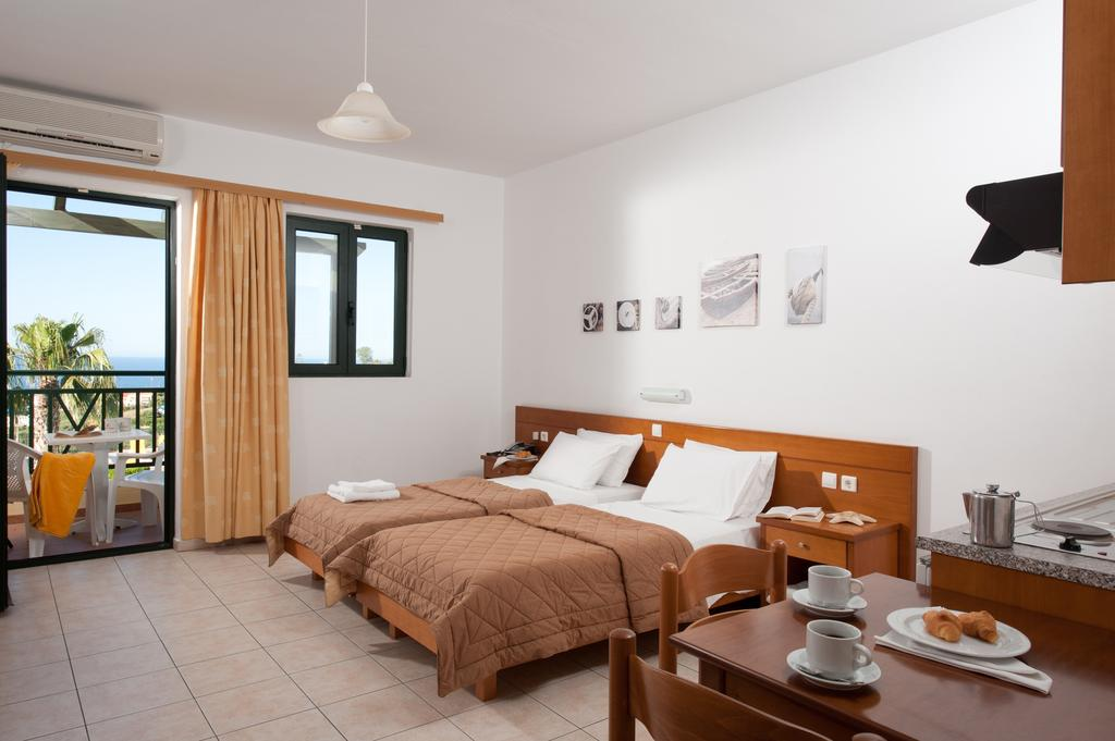 Asterias Village Apartment Hotel, Іракліон