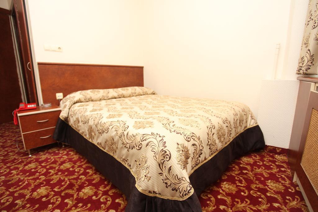 Цены в отеле Turvan Hotel