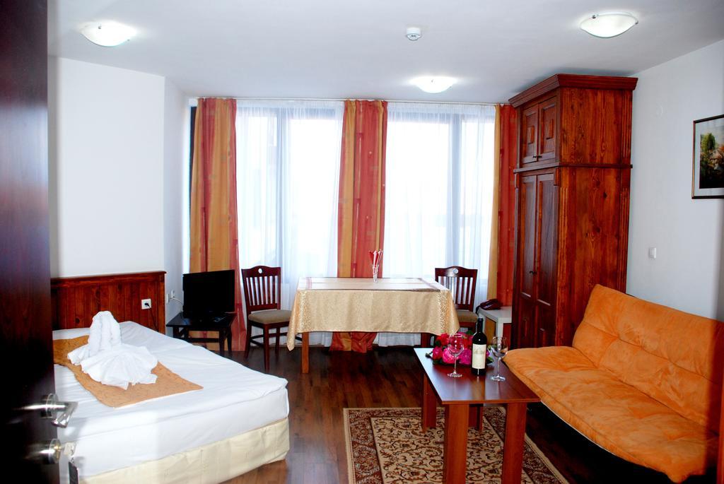 Отдых в отеле Elegant Lux Банско
