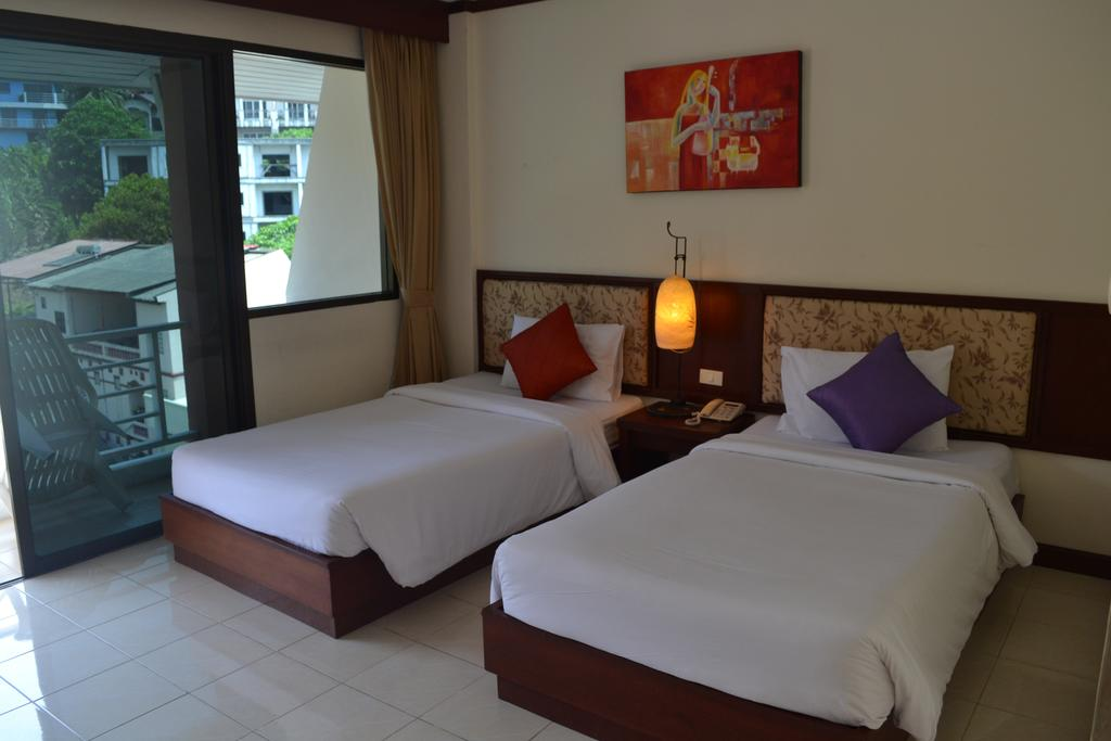 Патонг Bauman Ville Hotel
