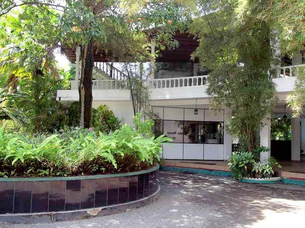 Цены в отеле The White Haven Hotel - Panadura (Budget)