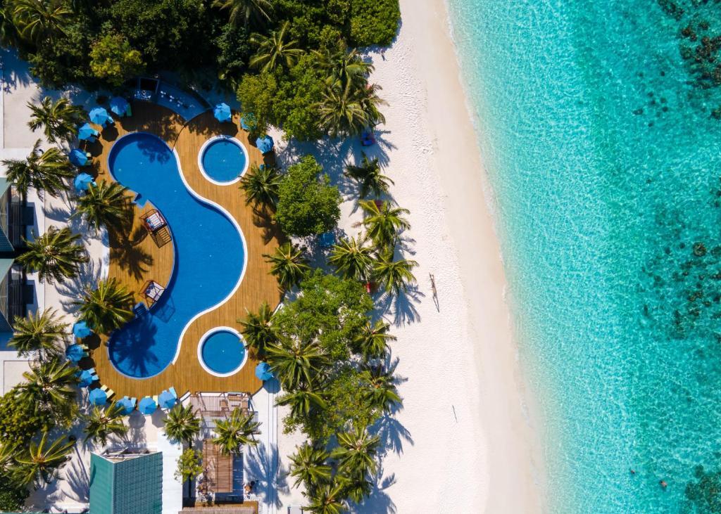 Відгуки про готелі Furaveri Island Resort