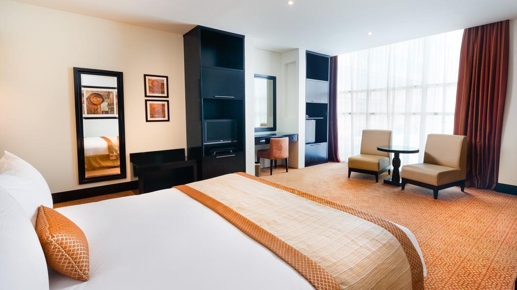 Holiday Inn Al Barsha цена