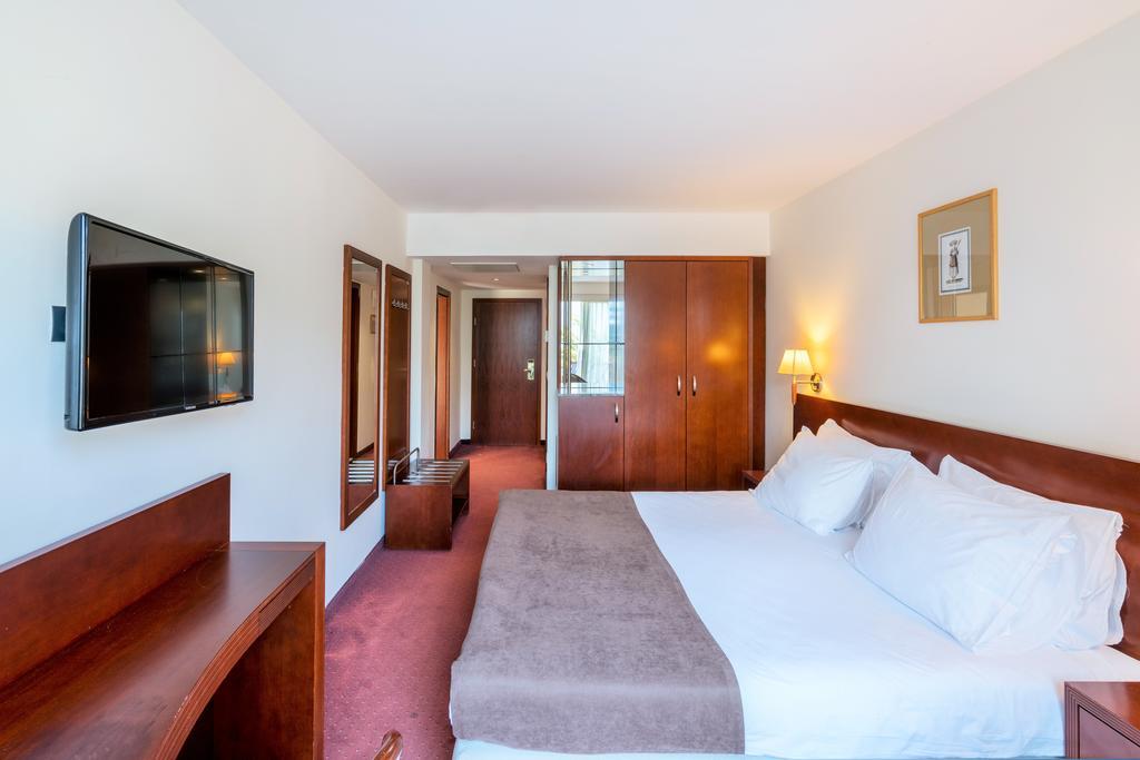 Відпочинок в готелі Iberostar Bellevue Бечічі