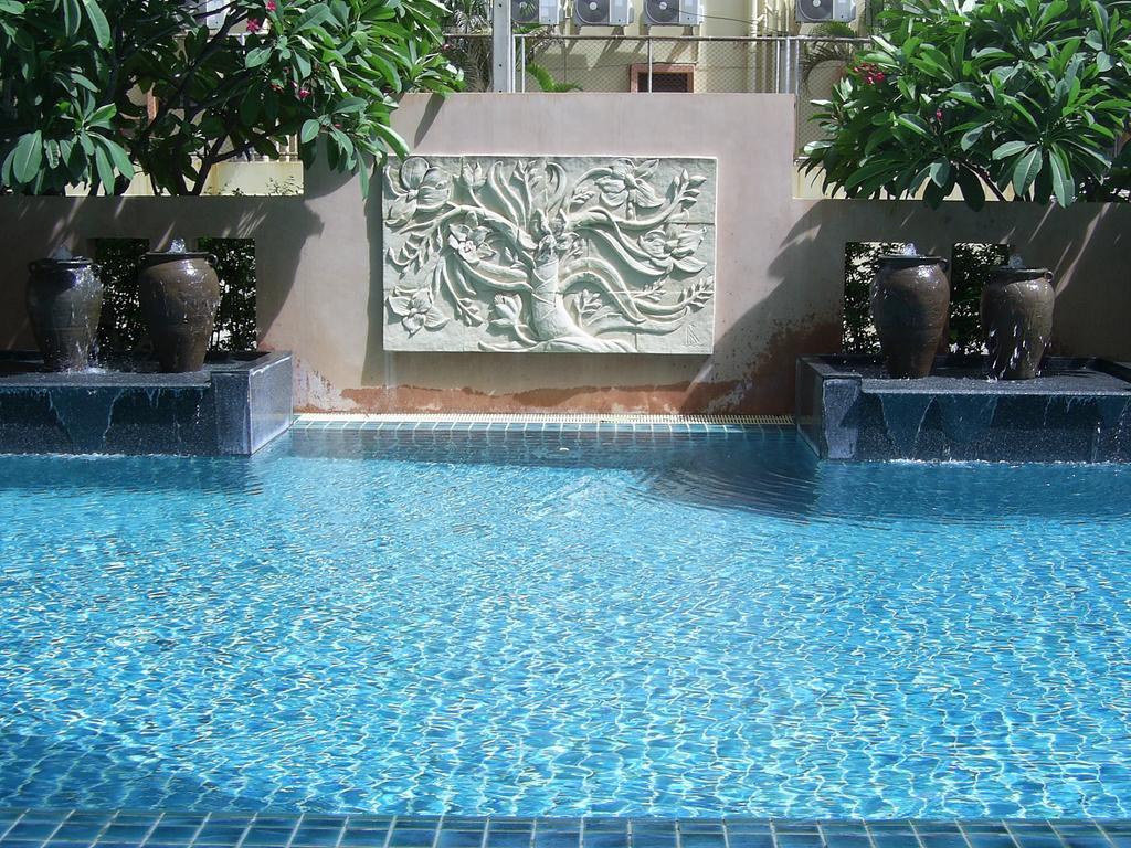Отдых в отеле Crown Pattaya Hotel