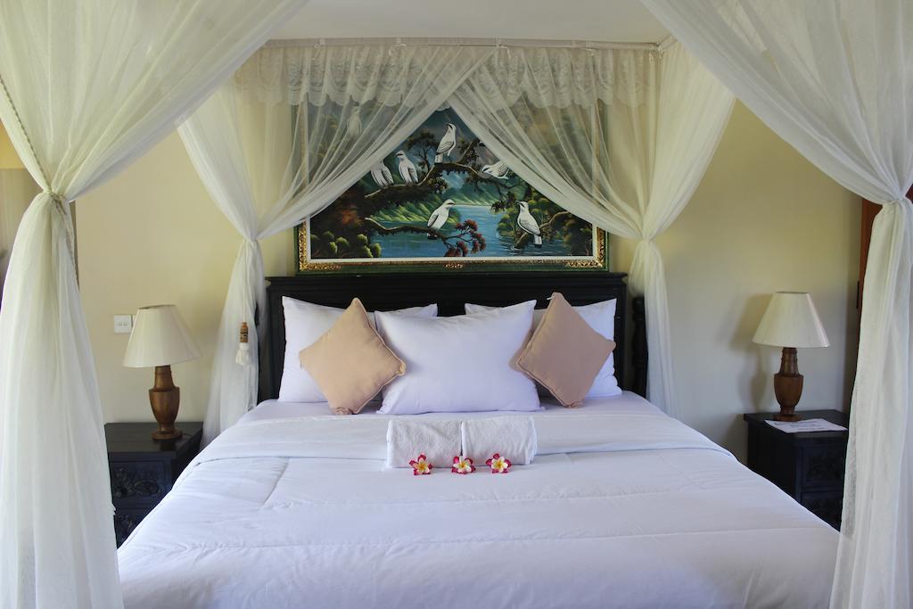 Туры в отель Arya Amed Beach Resort