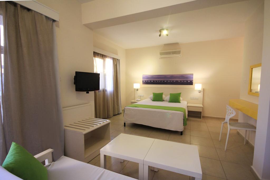 Sea Cleopatra Napa Hotel (ex. Smartline Cleopatra Annex Apartments), Айя-Напа