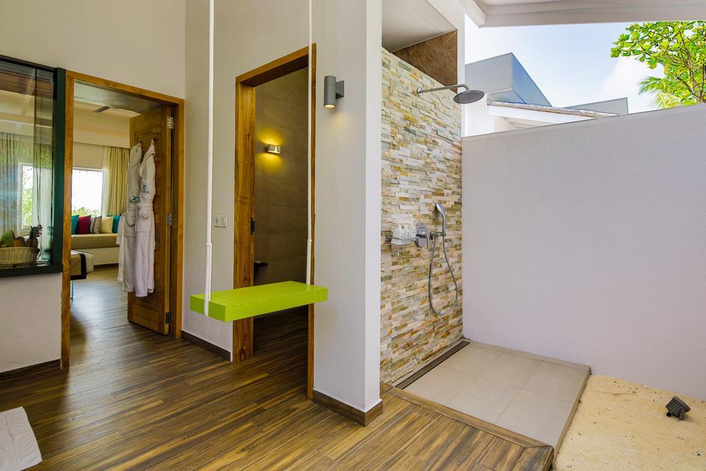 Відпочинок в готелі Cocoon Maldives Лавіані Атол Мальдіви