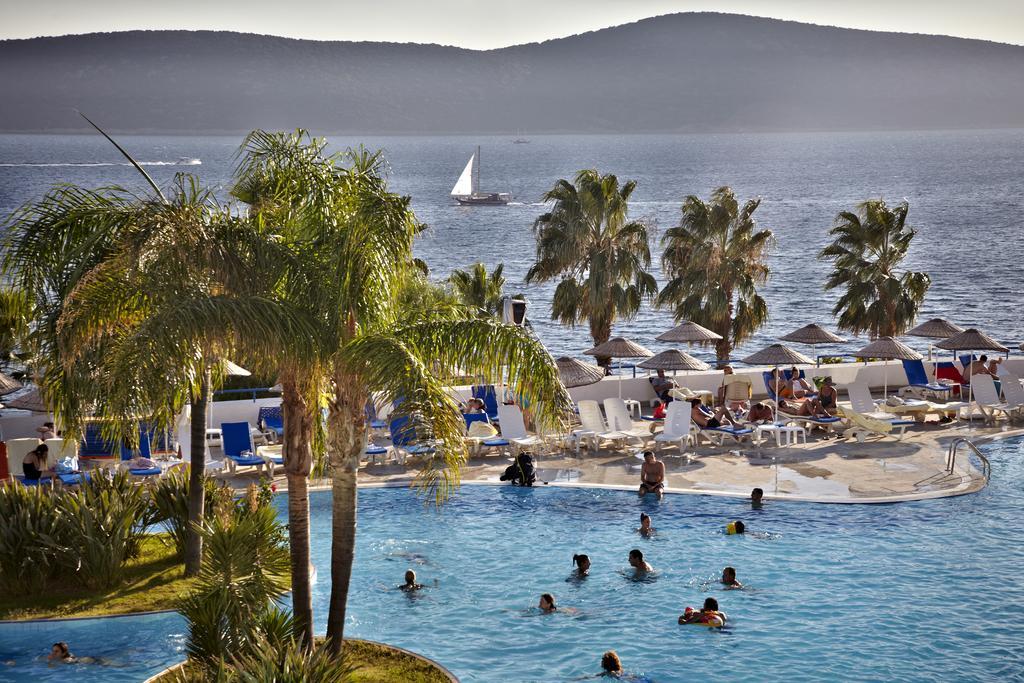 Відпочинок в готелі Bodrum Holiday Resort & Spa