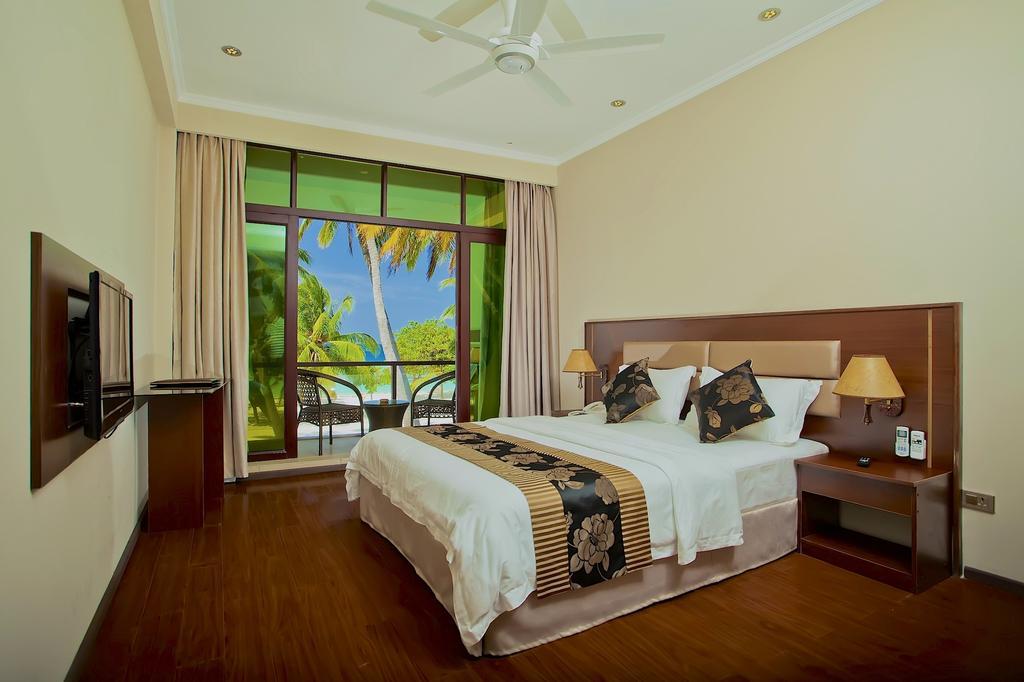 Горящие туры в отель Kaani Beach Hotel