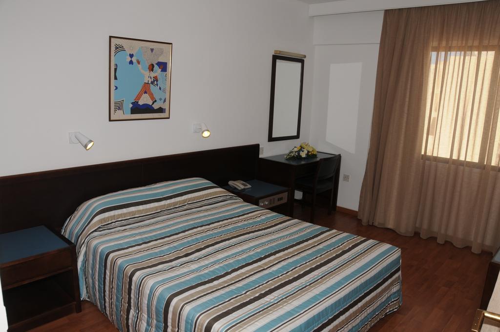 Отдых в отеле Atrium Zenon Hotel Apts Ларнака Кипр