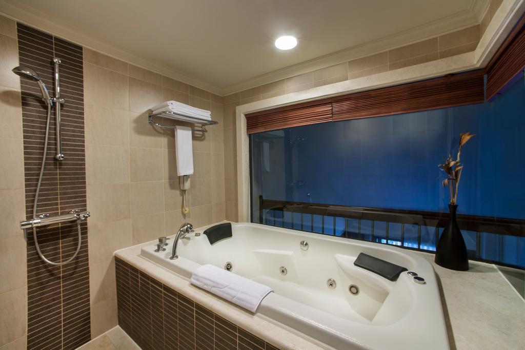 Гарячі тури в готель Ela Quality Resort Белек