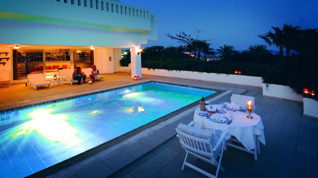 Ціни, Baron Resort Sharm El Sheikh
