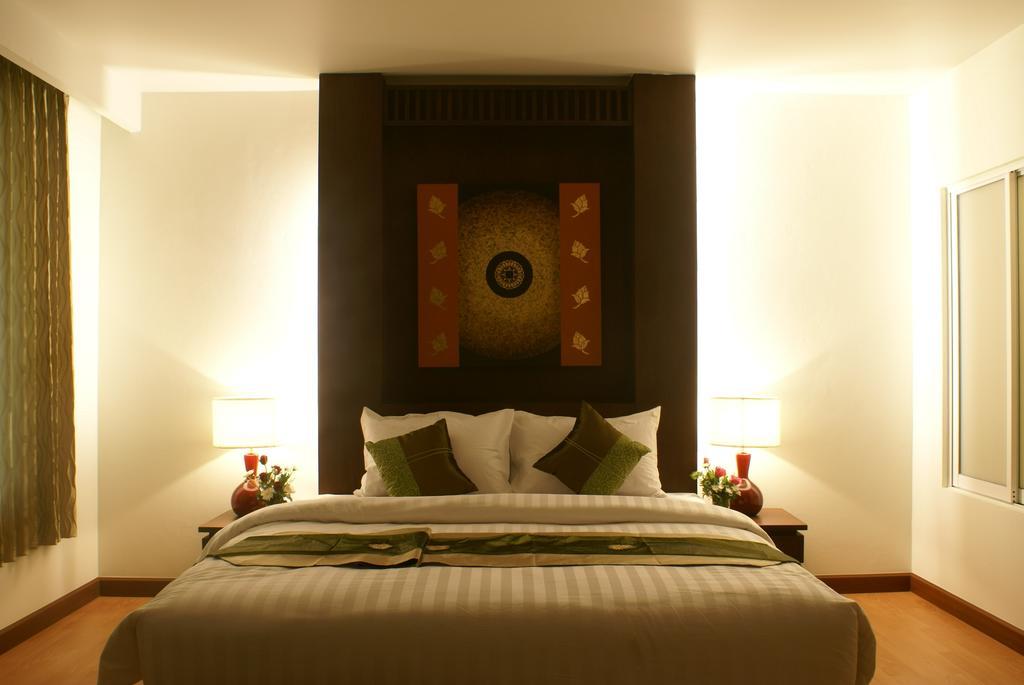 Цены в отеле Aiyara Palace Hotel