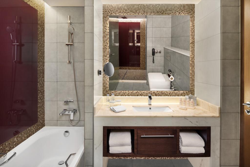Туры в отель Radisson Blu Hotel Dubai Waterfront Дубай (город) ОАЭ