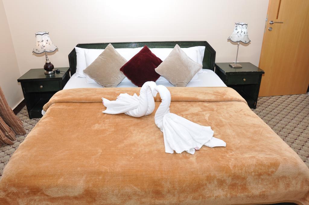 Цены в отеле Holiday Beach Resort