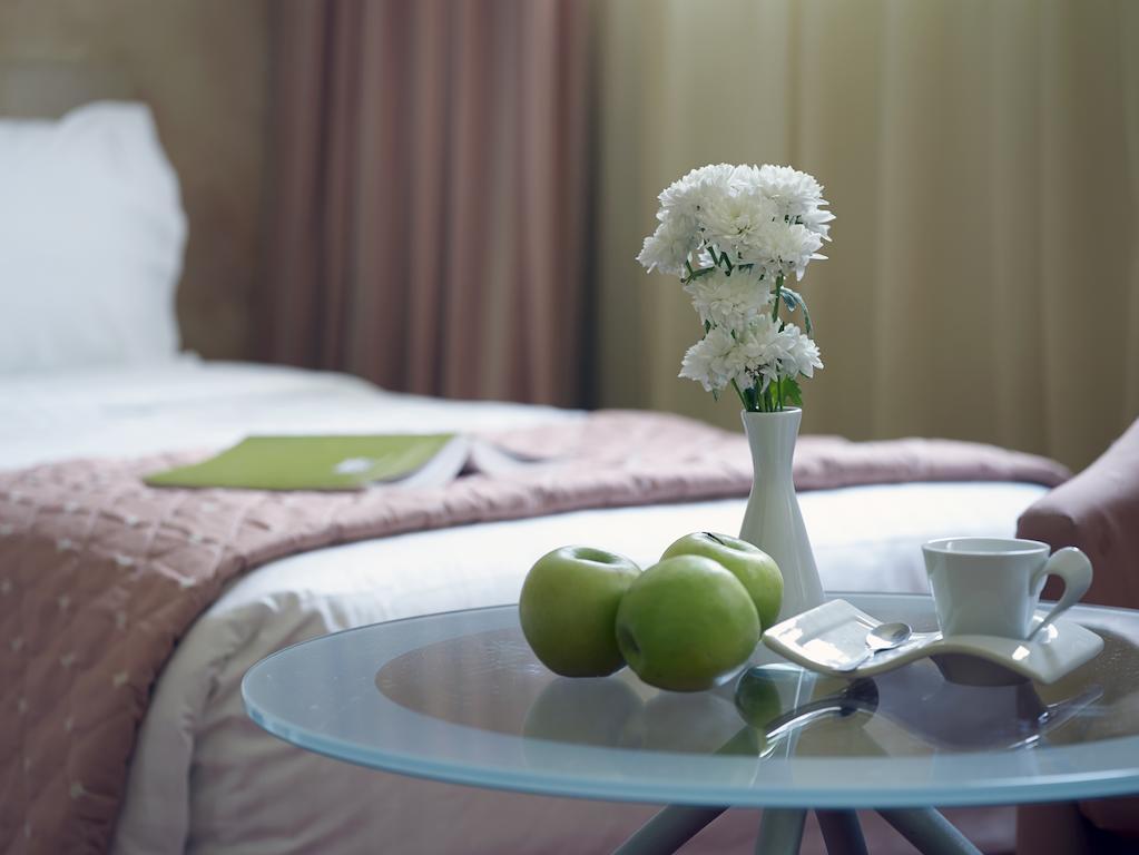 Amazon Hotel, Греция