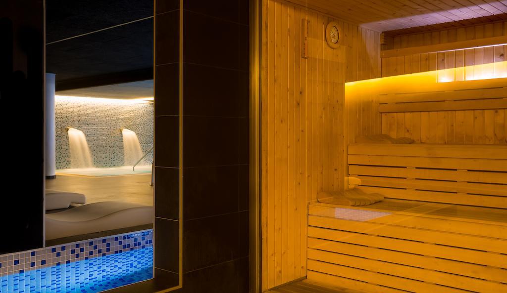 Отдых в отеле Aqua Hotel Aquamarina Коста-де-Барселона-Маресме