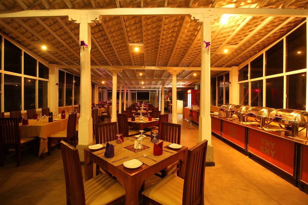 Rock Fort Hotel & Spa, Шри-Ланка, Унаватуна, туры, фото и отзывы
