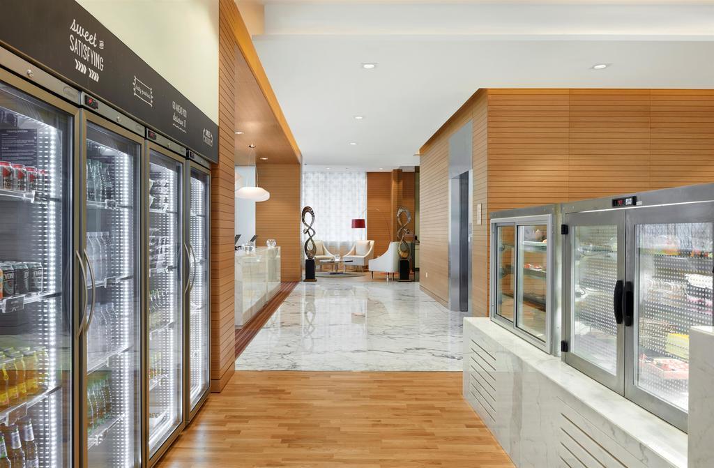 Отдых в отеле Hyatt Place Baniyas Square