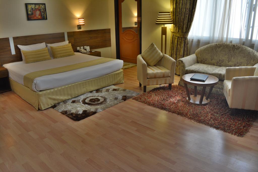 Отдых в отеле Landmark Hotel Baniyas Дубай (город)