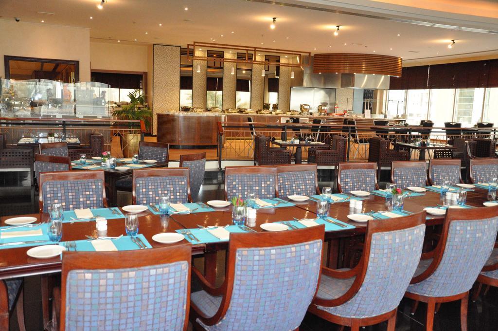 Hilton Sharjah Hotel, Шарджа
