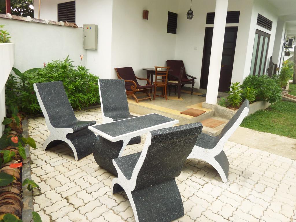 Отдых в отеле Sea View Deepal Villa