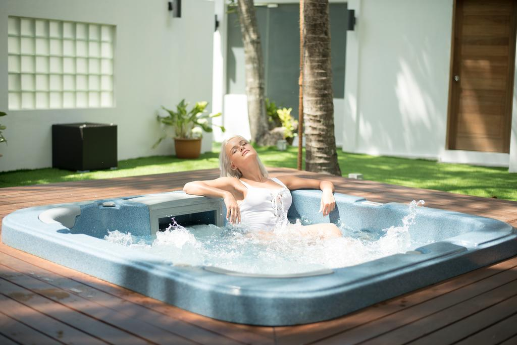 Тури в готель Cocoon Maldives Лавіані Атол