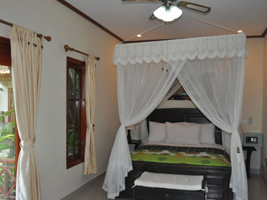 Горящие туры в отель Arya Amed Beach Resort