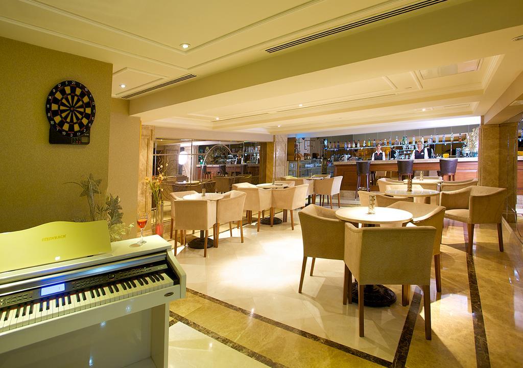 Отель, Tilia Hotel