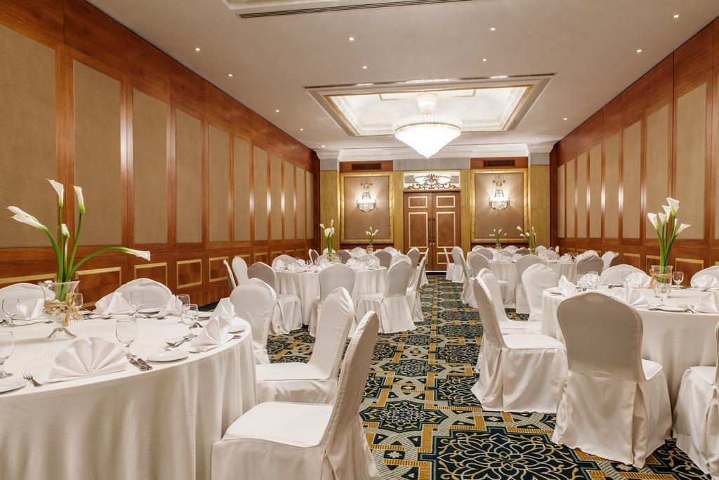 Відпочинок в готелі Hilton Sharjah Hotel