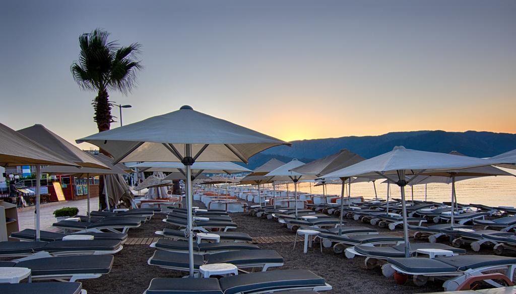 Romance Beach Hotel, 4