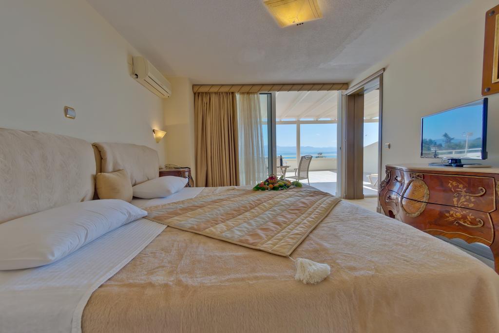 Эвбея (остров), Bomo Club Palmariva Beach, 4