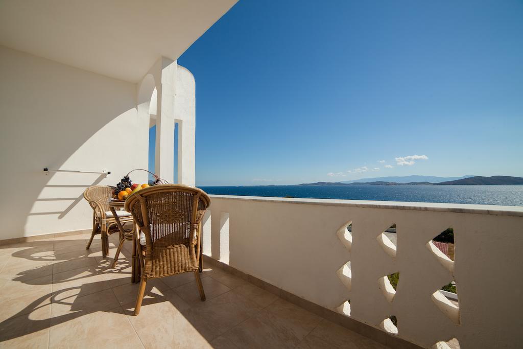 Alexandros Palace Hotel & Suites фото та відгуки