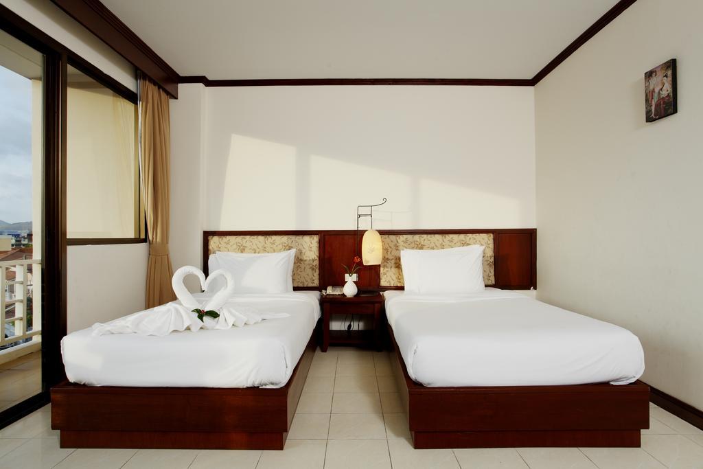 Відпочинок в готелі Bauman Ville HotelПатонг