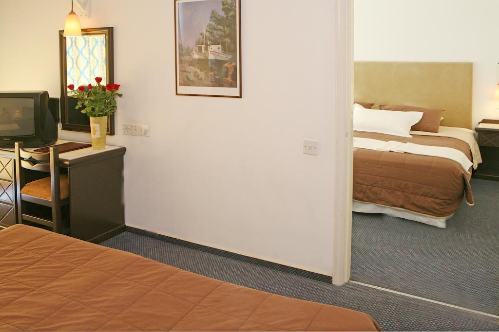 Горящие туры в отель Navarria Hotel