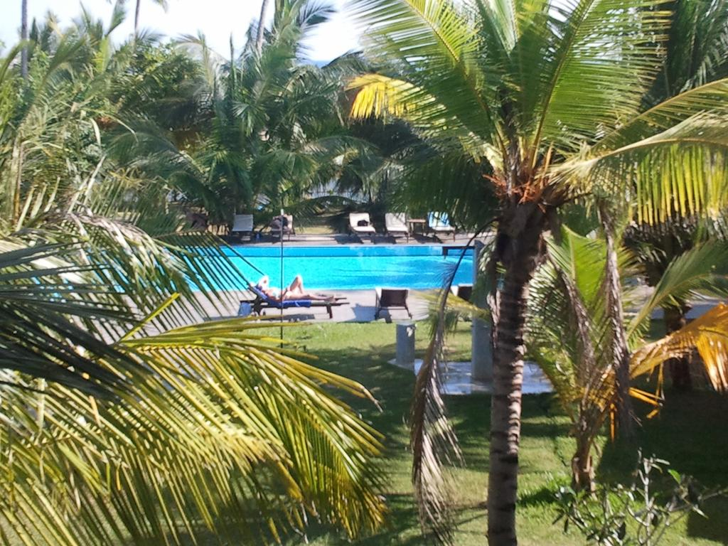 Тангалле Lagoon Paradise Beach Resort